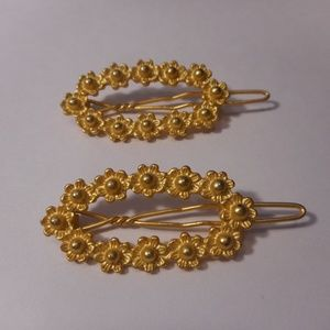 Oval Gold Tone Floral Hair Barettes